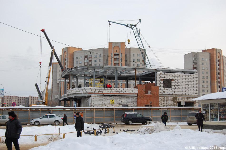 Рядом с Аксёновской площадью в городе Обнинске строится галерея «Пассаж»