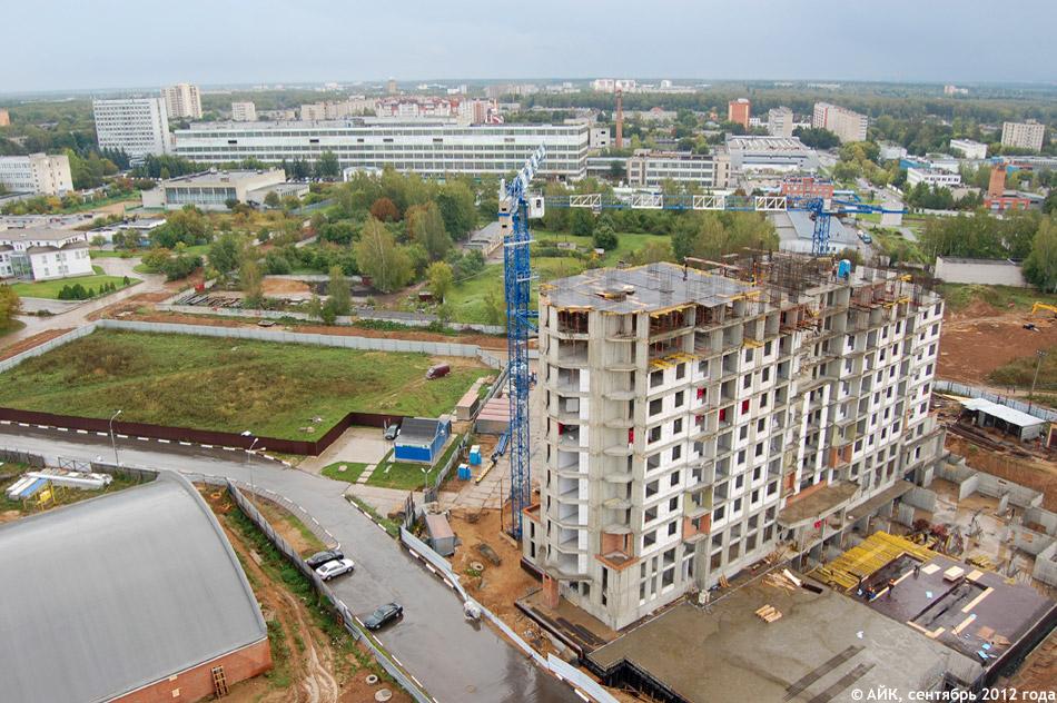 Вид с крыши дома «Аквамарин» (жилой комплекс «Солнечная Долина» в Обнинске)