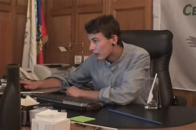 Павел Михайлович Грибунин с лета 2012 года является председателем федерального политсовета молодёжного движения «Свобода Выбора»
