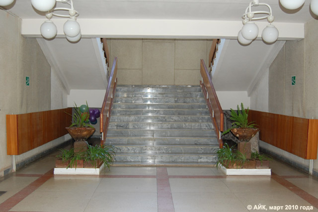 Музей истории Обнинска: лестница на второй этаж