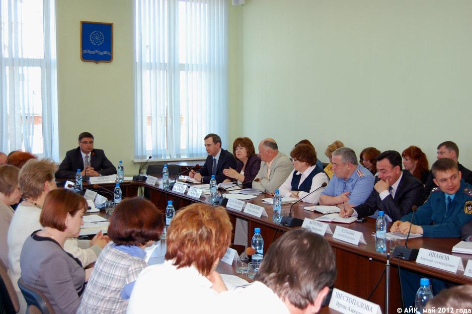 Александр Авдеев провёл планёрку и рассказал журналистам о поездке в США