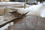 После снегопада в марте 2013 года на улице Осипенко в городе Обнинске