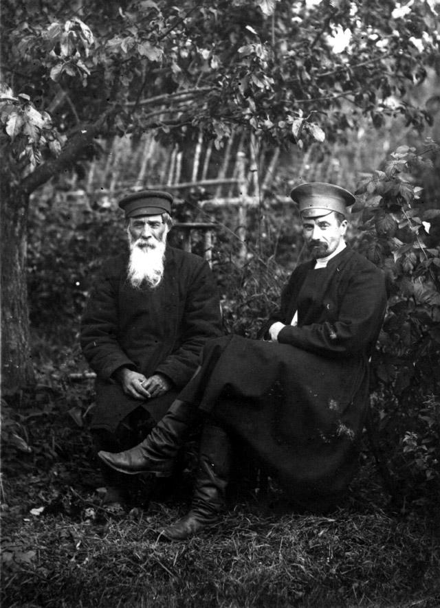 Михаил Петрович Петров и Борис Петрович Обнинский в начале XX века