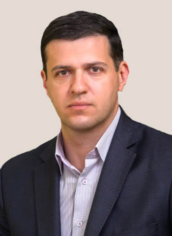 Александр Викторович Ефремов