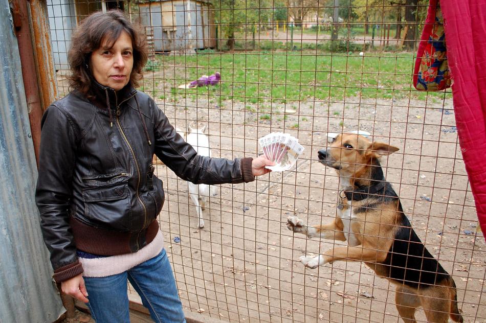 Анна Александровна Могильнер с призовыми деньгами от сообщества «АЙК Обнинск» на ВКонтакте