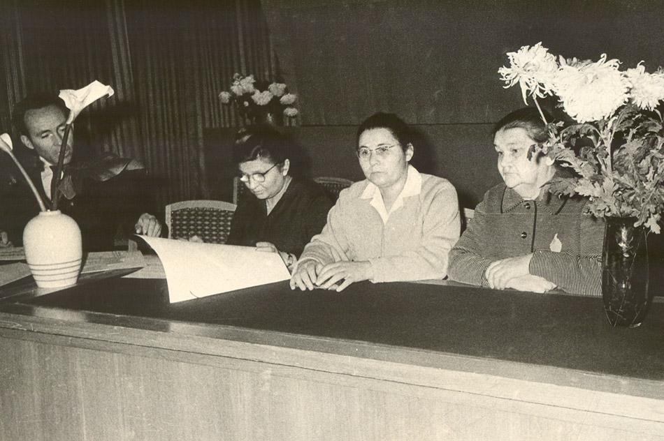Нина Степановна Антоненко, Евдокия Дмитриевна Логвиновская и Анастасия Семёновна Жукова