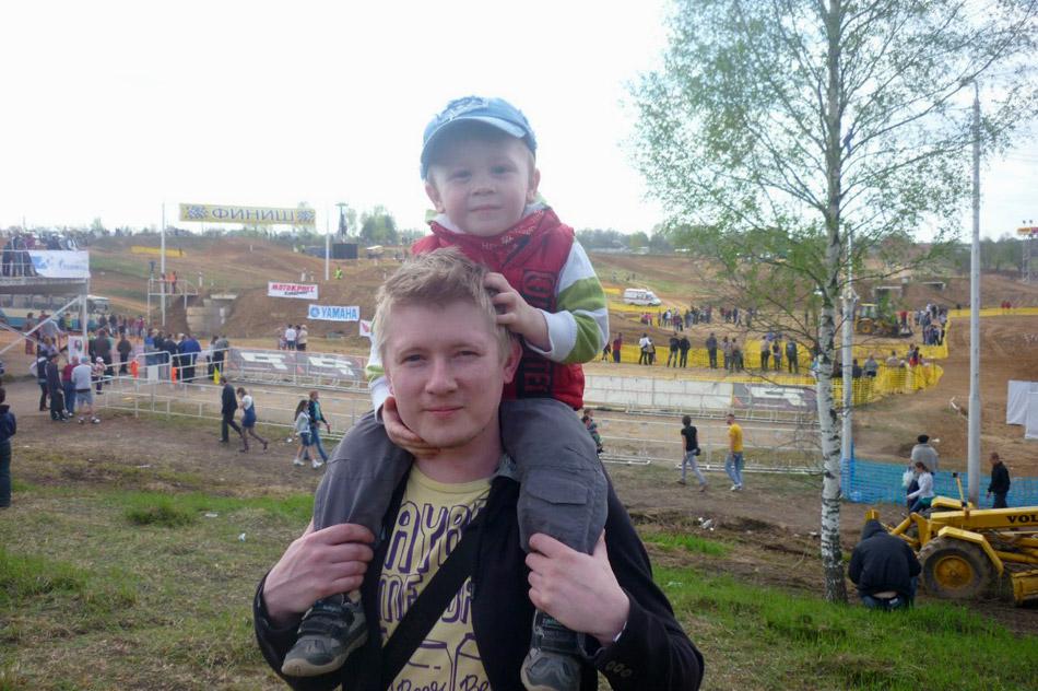 Арсений Александрович Никитин со своим сыном