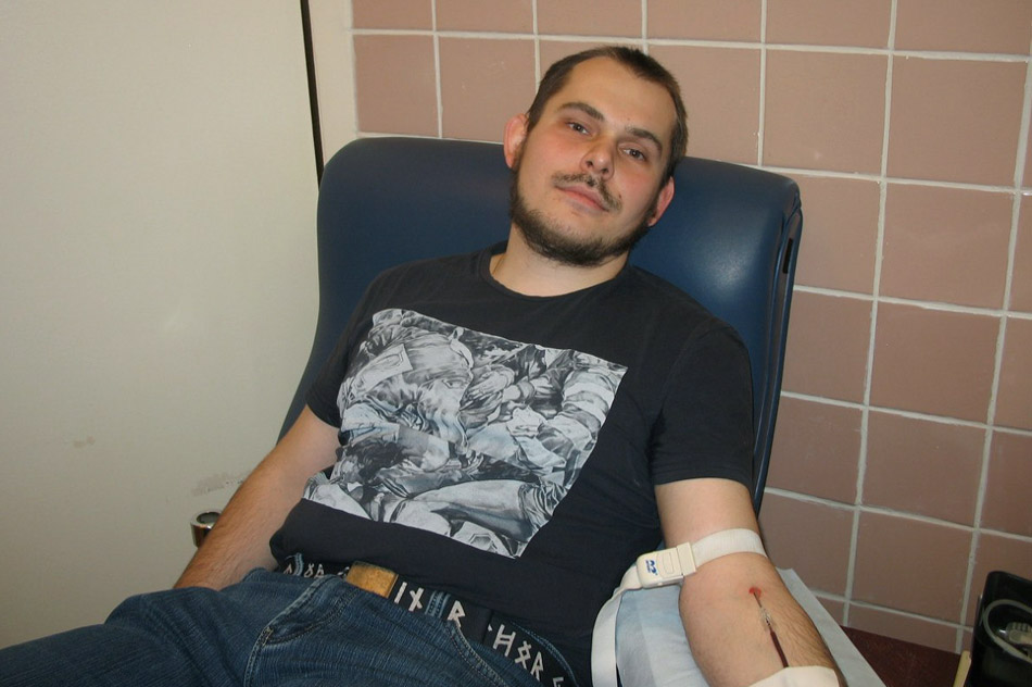 Дмитрий Эдуардович Губанов является донором крови