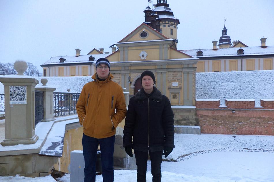 Дмитрий Сергеевич Стёпин и Дмитрий Евгеньевич Зайцев около Несвижского замка