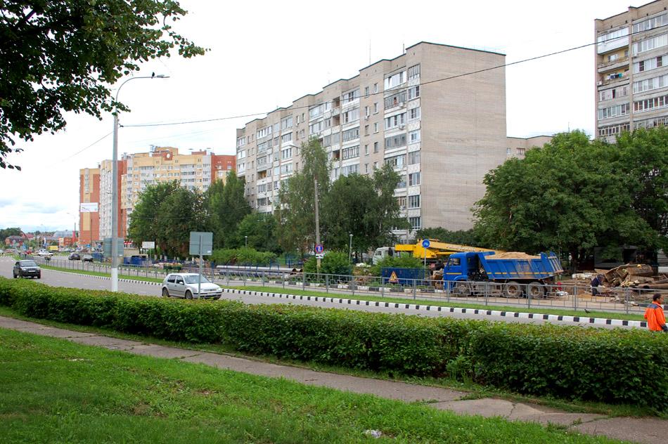 Замена труб на улице Энгельса в городе Обнинске летом 2016 года