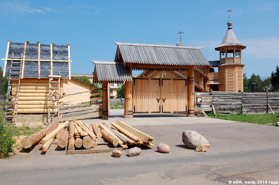 Храм в честь святого великомученика и целителя Пантелеймона в городе Обнинске