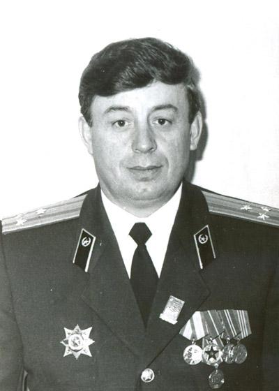 Иван Сергеевич Ляденко в военной форме