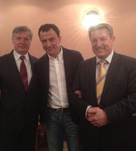 Александр Юрьевич Силуянов вместе со Львом Александровичем Березнером и Олегом Николаевичем Комиссаром