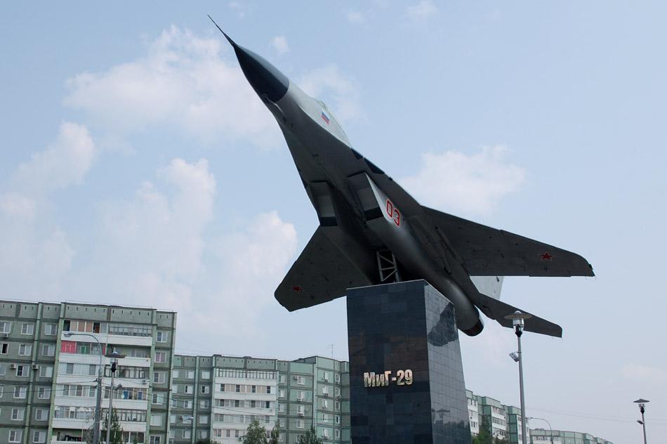 Самолёт «МиГ-29» в городе Обнинске