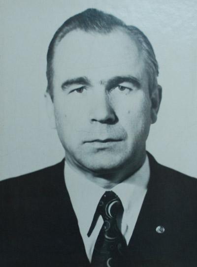 Николай Васильевич Котов в гражданской одежде