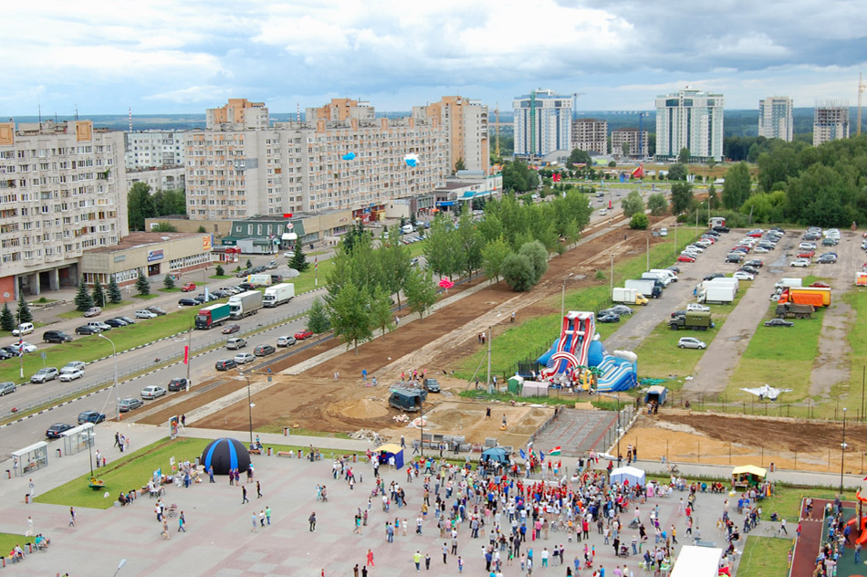 Вид на территорию будущего «Парка Победы» в городе Обнинске (лето 2013 года)