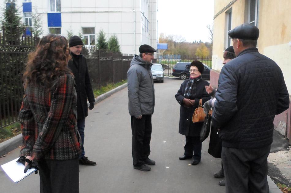 Наталья Михайловна Кошкина в ходе встречи, которую Владислав Валерьевич Шапша проводил 20 октября 2016 года с активистами ТОС «Старый город» в городе Обнинске