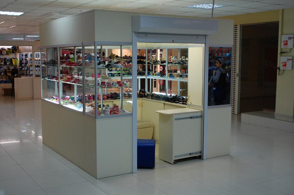 Магазин детской обуви «Сказка» в городе Обнинске