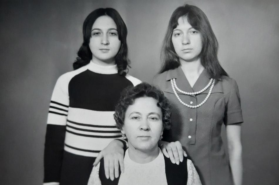 Татьяна Георгиевна Ханжина, Пелагея Яковлевна Блинкова и Ольга Георгиевна Майнас