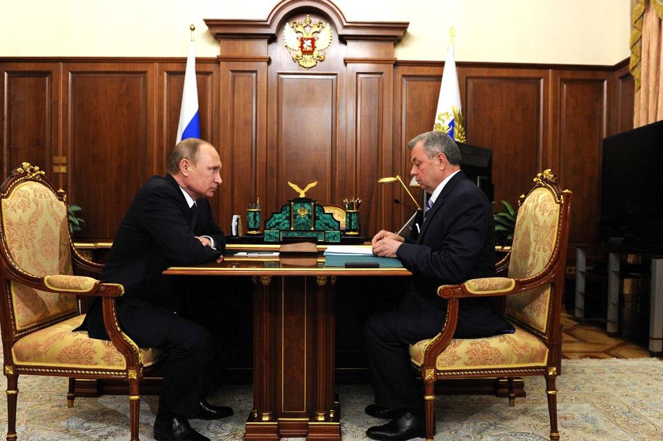 Владимир Владимирович Путин и Анатолий Дмитриевич Артамонов