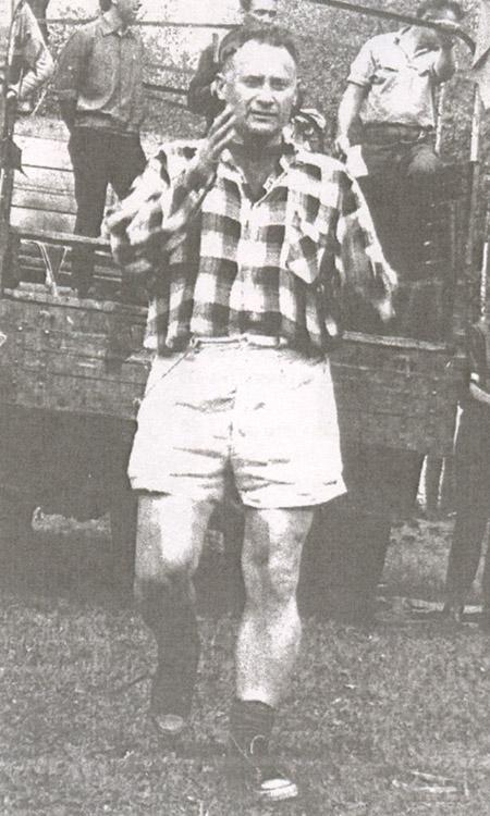 1965 год. Евгений Фёдорович Ворожейкин (ещё относительно молодой и безбородый) открывает XII Слёт туристов Обнинска с участием команд Дубны, Калуги и Москвы.