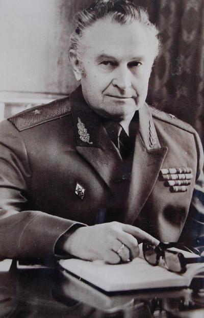 Юрий Алексеевич Ус с погонами генерал-майора