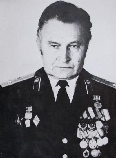 Юрий Алексеевич Ус с погонами полковника