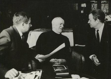 Георгий Константинович Жуков и Александр Дмитриевич Терёшин (крайний справа)