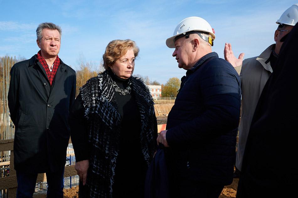 Лариса Александровна Роговая на строительной площадке в Обнинске (27 октября 2020 года)